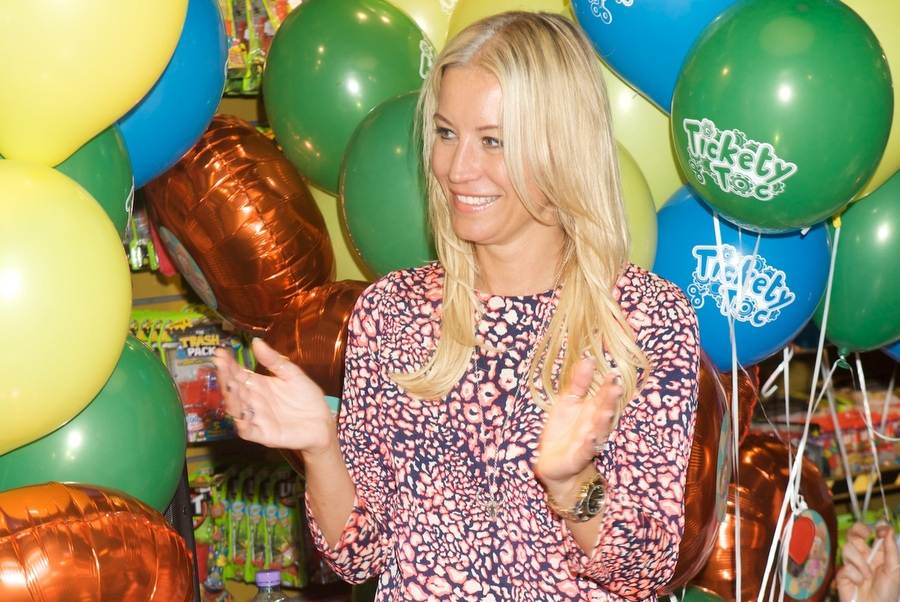 Denise van Outen enjoying show time at Tickety Toc event in Hamleys